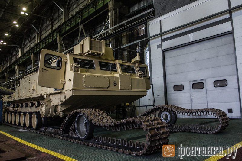 PHOTO: Vehicles for Airdefense Missile System «Antey-2500» Egypt Armed Force  at Kirov Plant