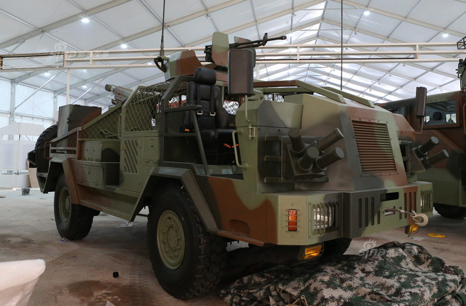 China Presented New Special Operation Vehicle With 105mm Light Howitzer