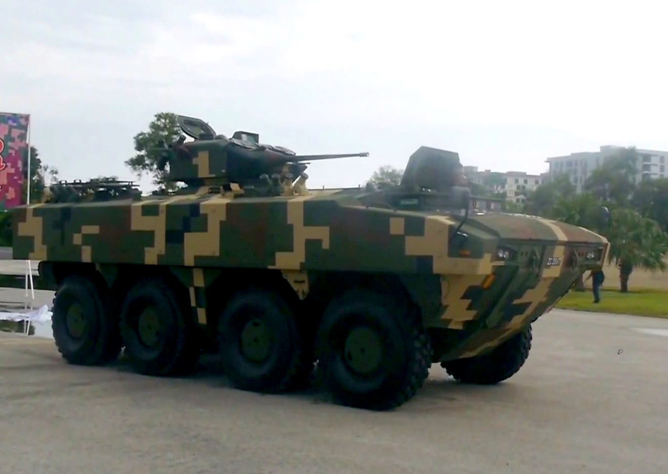 Malaysian Army Receives 12 Units of AV8 IFV-25 From Deftech
