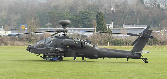 Apache-Helicoptor-Landing-at-Monmouth-School