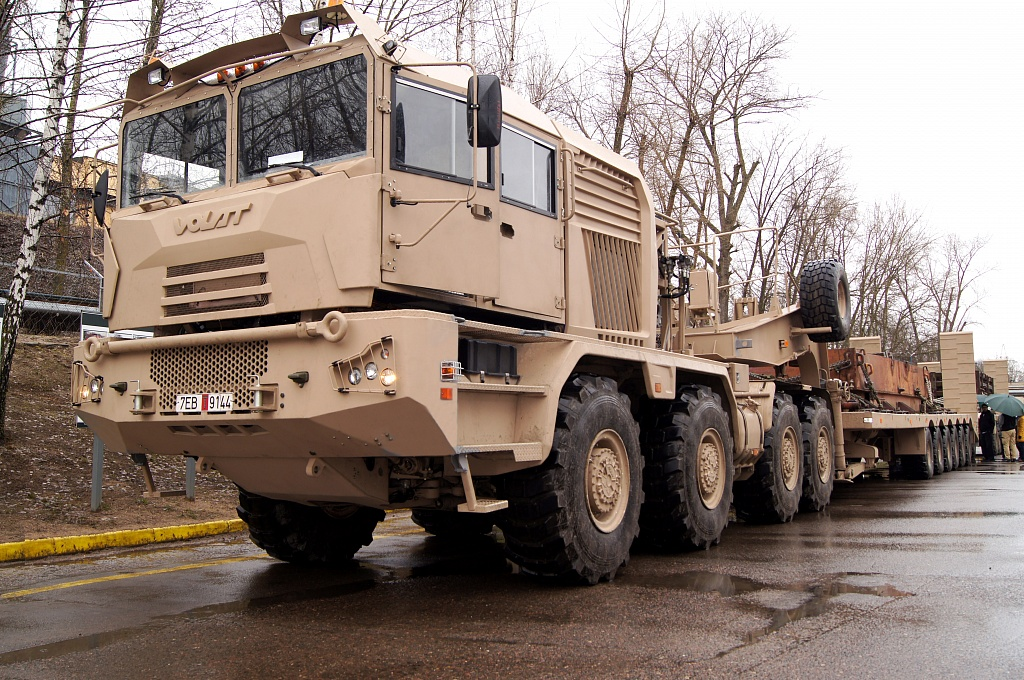 Belarus with UAE signed the new supply agreement for delivery of the heavy-duty Tank Transporters