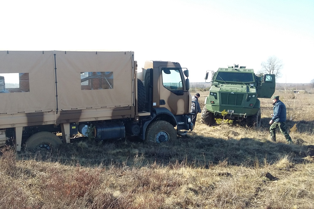 Renault Midlum armored vehicles could not negotiate it and KrAZ vehicles had to recover stuck vehicles