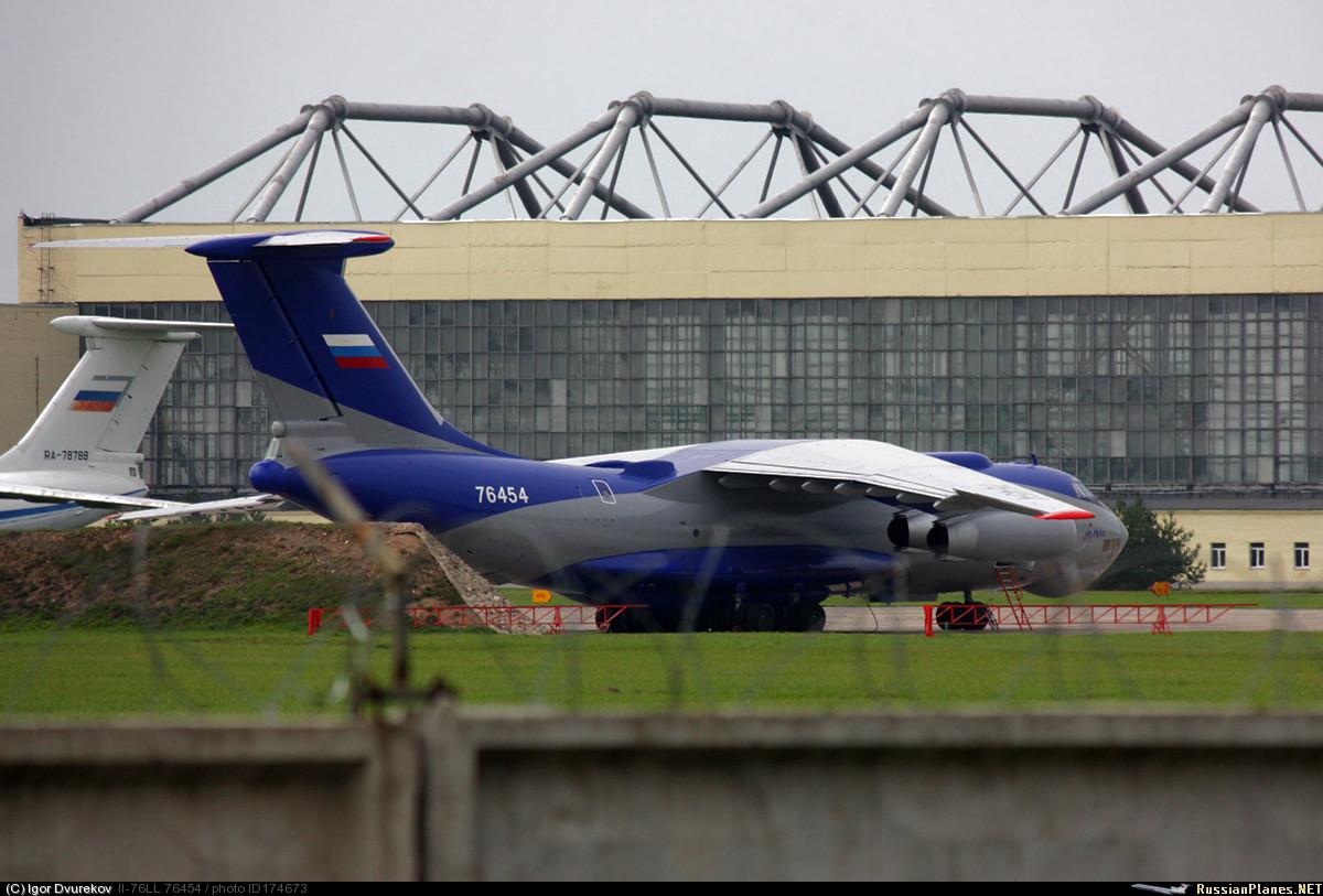IL-76  flying laboratory-carrier planes for experiments with  hypersonic aircraft (C) Igor Dvurekov / russianplanes.net