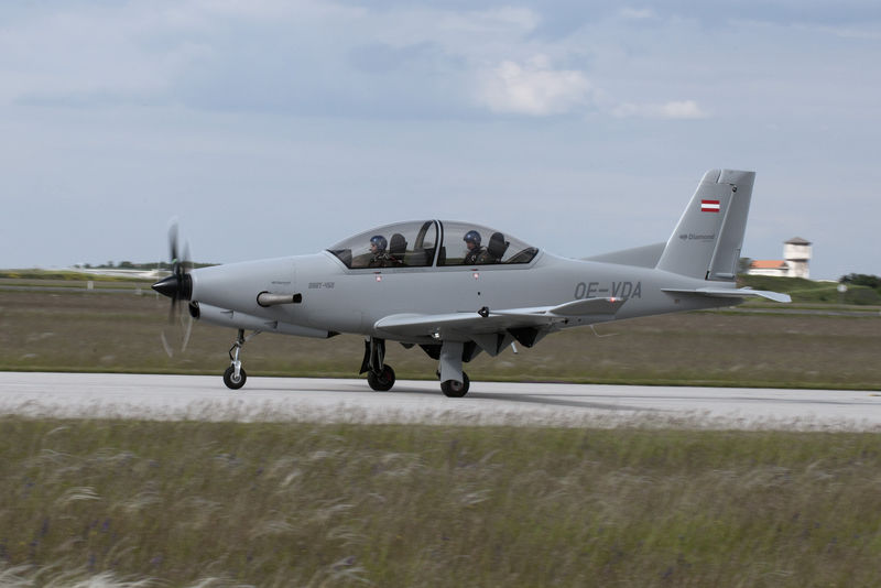 DART-450 military trainer took off for its first flight with Ukrainian AI-450S turboprop engine