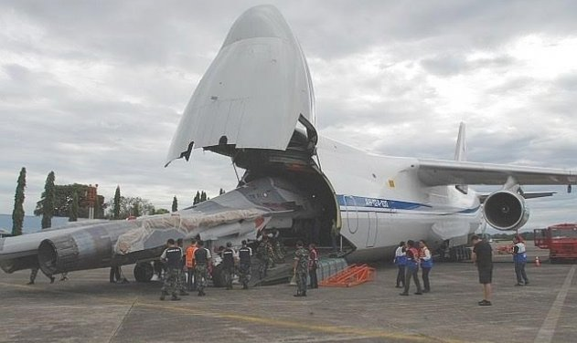 Indonesian Su-30MK2 arrives in Antonov AH-124-100 aircraft at Sultan Hasanuddin airbase