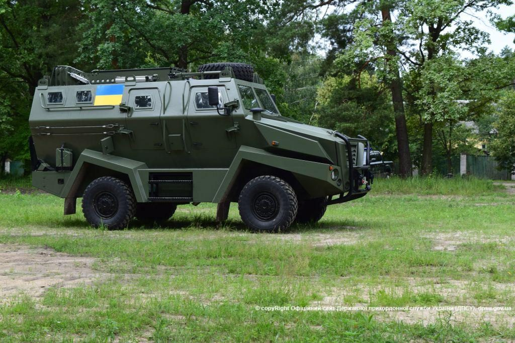 «BUFFALO » mine-resistant light armored vehicle