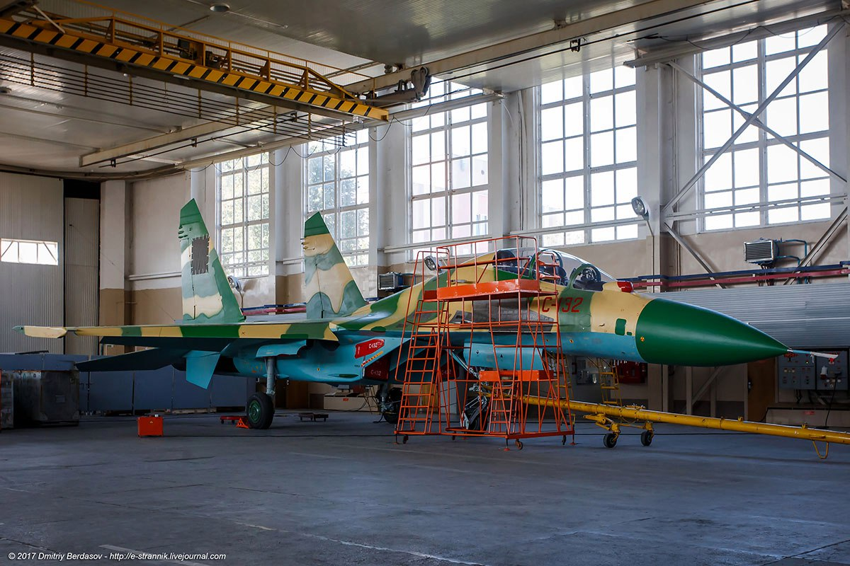Angolan Air Force received its first Su-30 multirole fighter aircraft