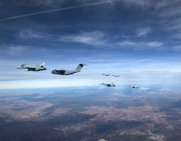 Video: A400M refuels six F-18 fighters in one flight