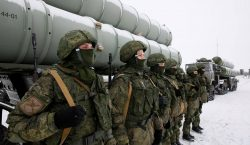 Russia is threatening to supply long-range air defence systems to Syria