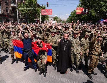 Armenia's protests: group of soldiers joins anti-government protests