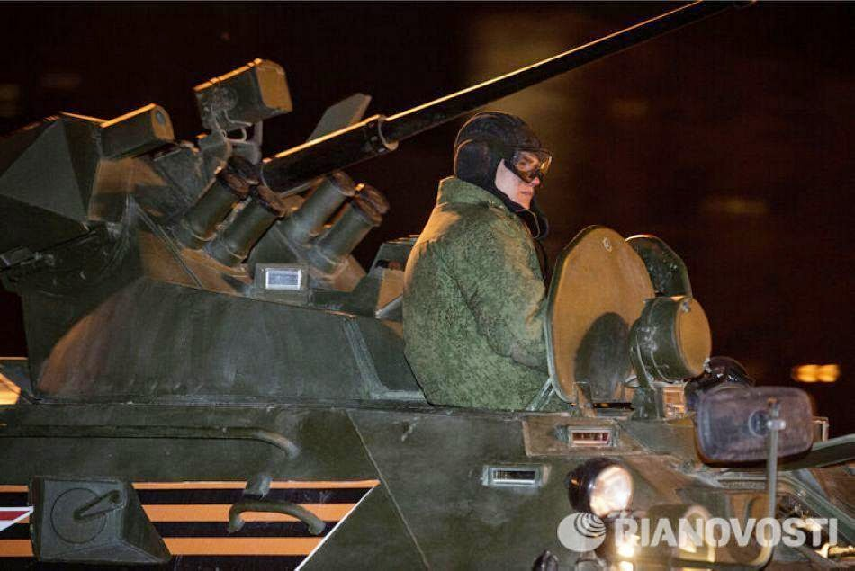 Russian military parade rehearsals at night 7