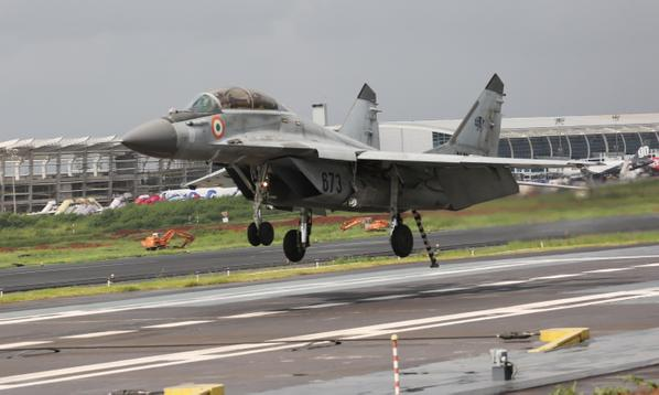 Indian Navy MiG-29K operations with STOBAR at Goa 3