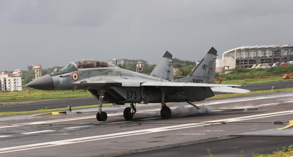 Indian Navy MiG-29K operations with STOBAR at Goa 4