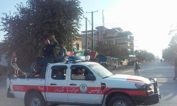 Afghan forces and traffic police in Kunduz city this morning, after they drive out Taliban 1