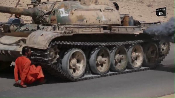 Islamic State Terror Group Executed A Man By Run Over Tank – WARNING