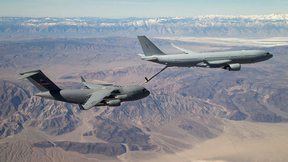 KC-30A refuelling trials with United States Air Force C-17A Globemaster