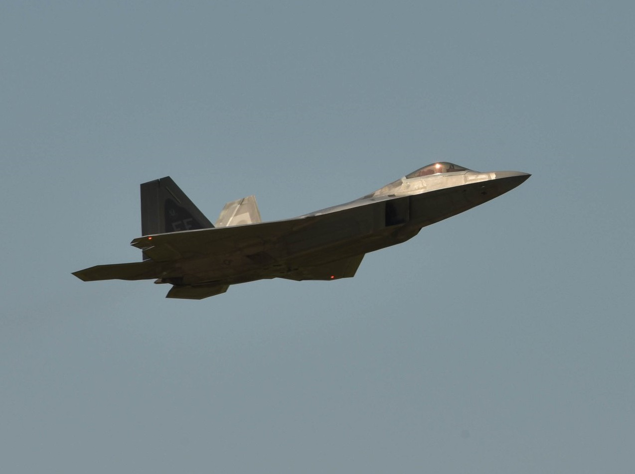 U S  Air Force evacuates F-22 Raptors to Rickenbacker Air