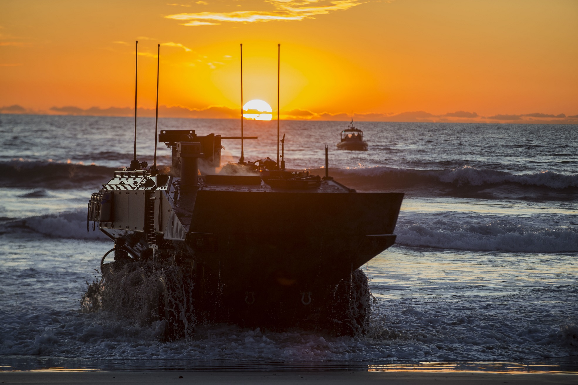 5992712 - U.S. Marines hold low-light tests of its newest combat vehicles – Defence Blog