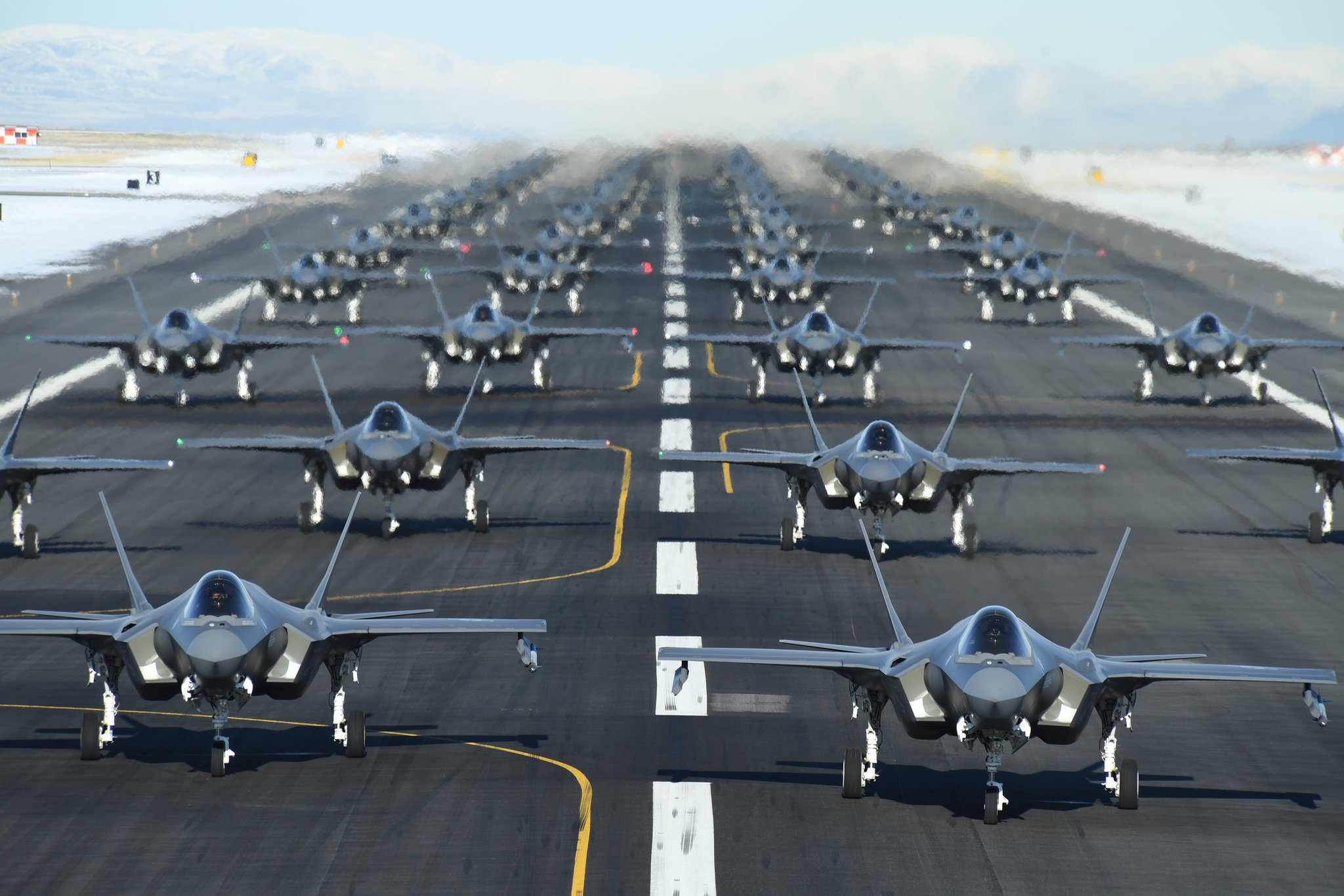 ENnodtTUUAEjDuG - U.S. Air Force put dozens of F-35 fighter jets into the air – Defence Blog